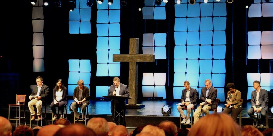 Elders preach reconciliation without Hybels