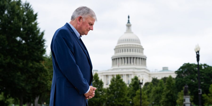 Franklin Graham borrows a tactic from the left with his Saturday prayer march