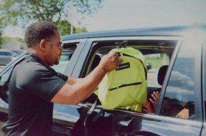 Mayor helps pantry distribution