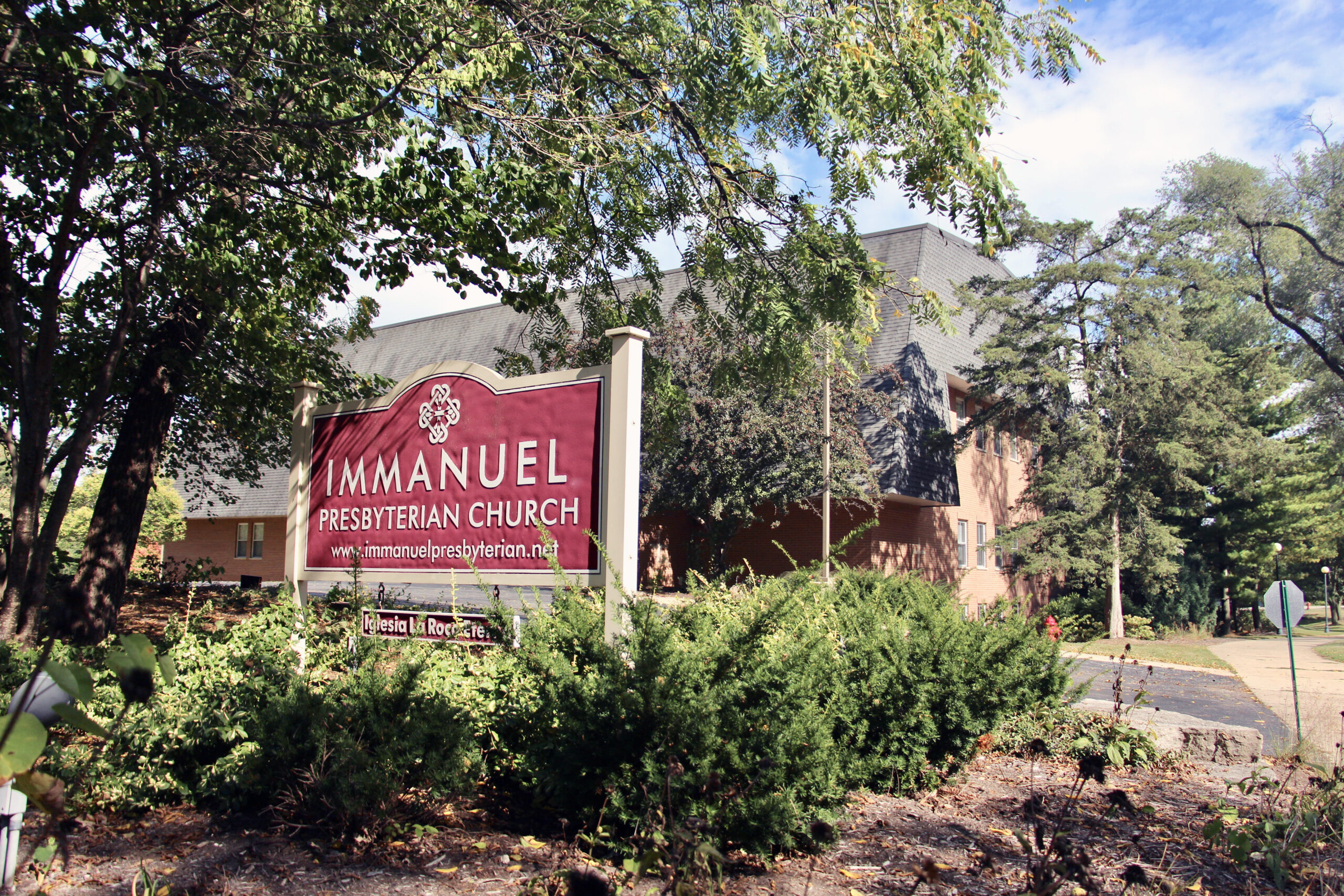 Afghan evacuees welcomed at Immanuel Presbyterian Church - Warrenville, IL